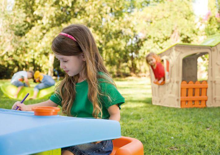 Dlaczego warto kupić wielofunkcyjne stoliki dla dzieci?