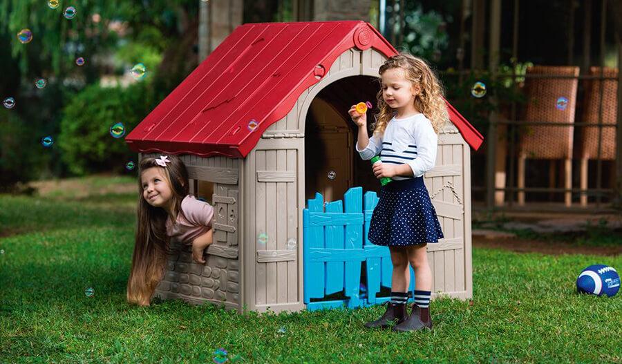 Plastikowy domek ogrodowy dla dzieci