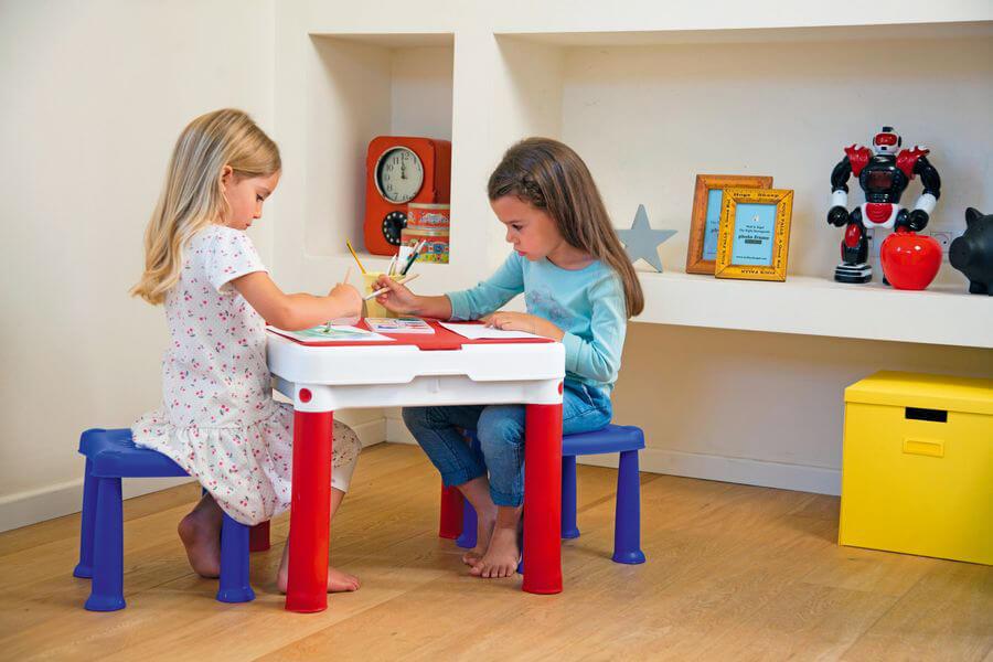 stolik dla dziecka pod choinkę